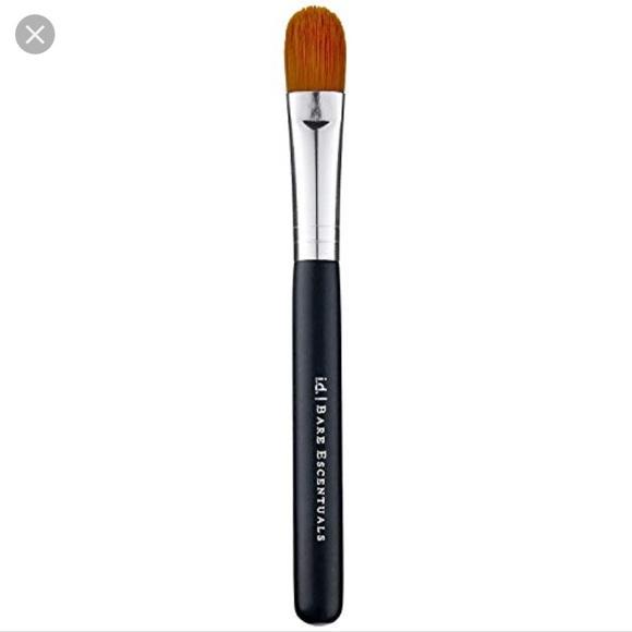 Bare Escentuals Other - Bare essentials   concealer brush
